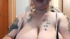 Super Provocative Chunky Tattoo Nubile Twerking On Web-cam