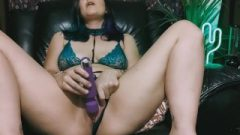 Tattoo Nubile Using Sextoy And Smoking High And Naughty